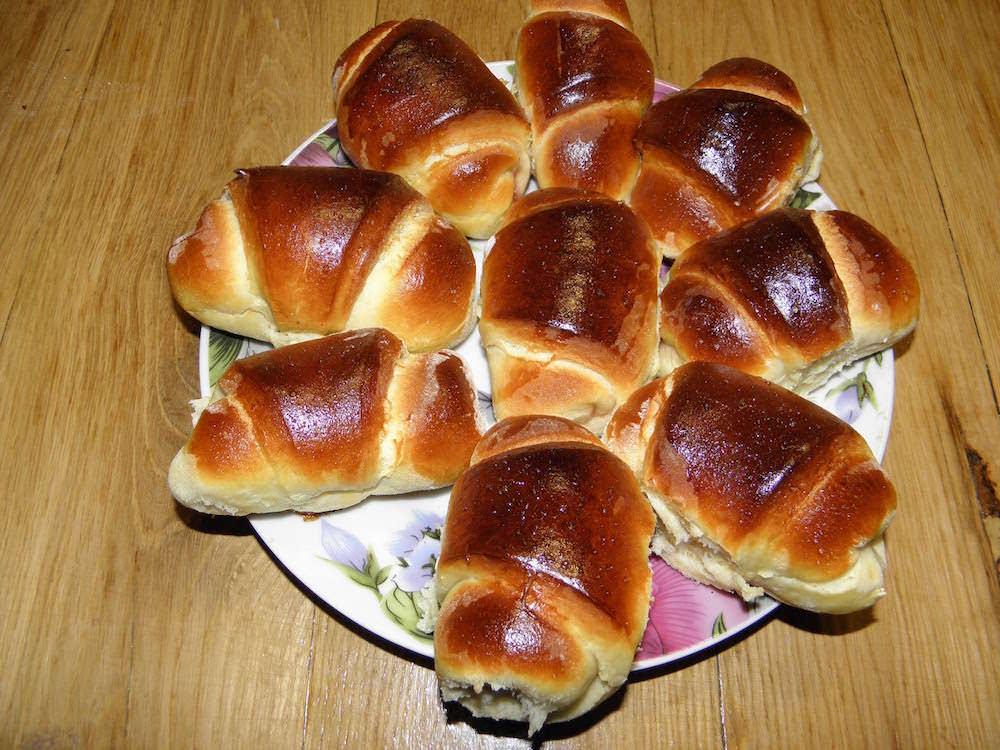 Сладкие домашние дрожжевые булочки