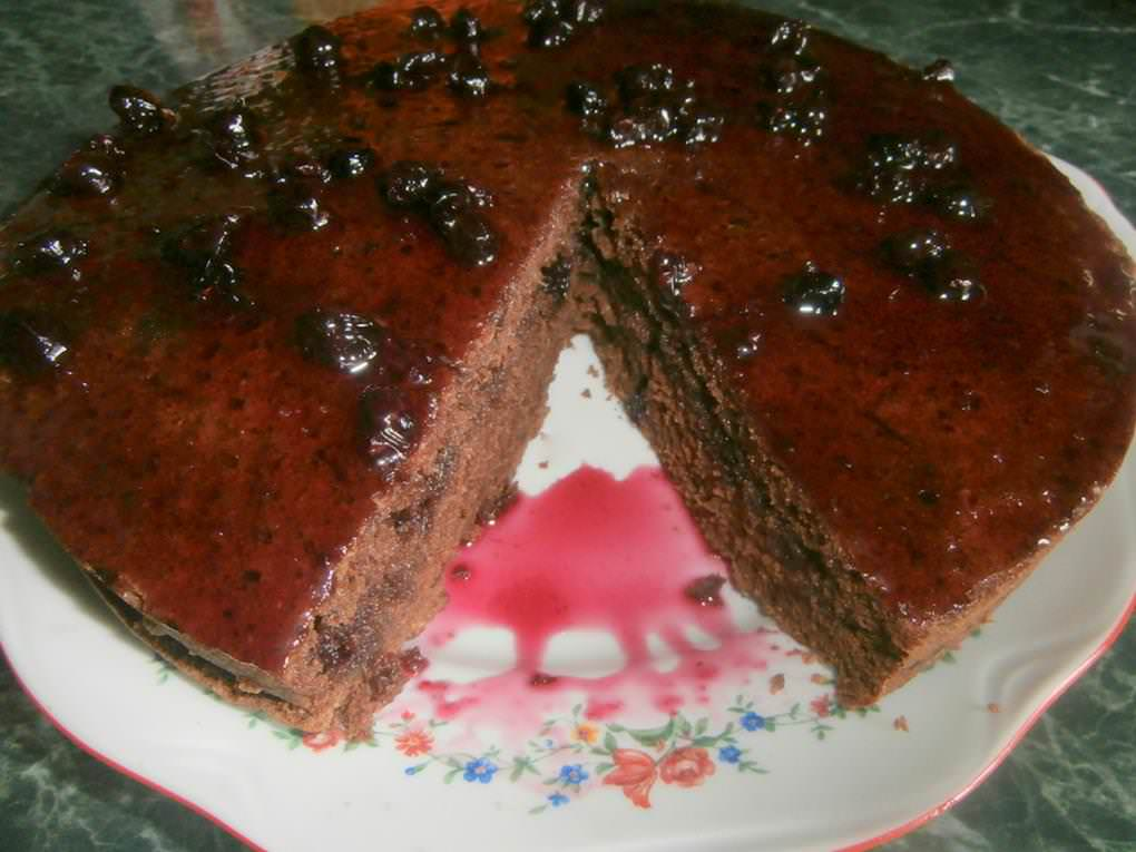 Простой шоколадный пирог к чаю