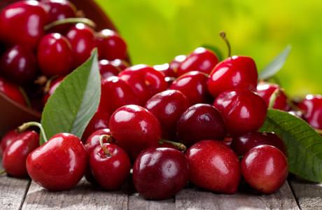 Вишни – сочные и очень красивые ягоды