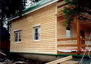 Блок хаус производиться как из древесины, так и металла и пластика