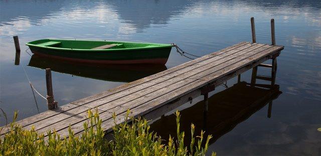 Чаще всего причалы для лодок или пристань используются для швартовки и стоянки маломерных судов, посадки и высадки пассажиров, проведения ремонтных работ