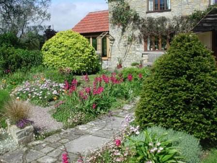 Реставрация и полное обновление садовых дорожек