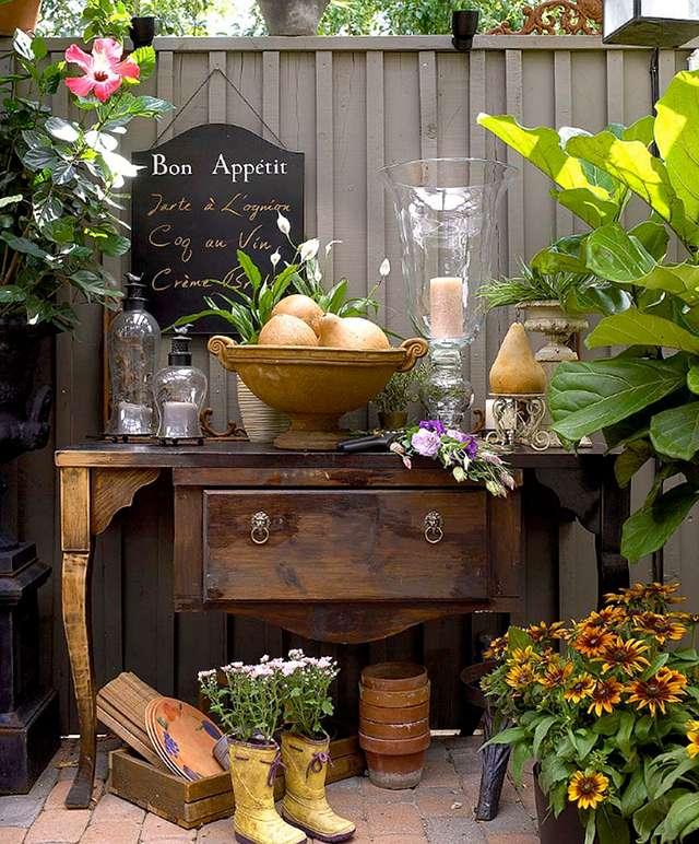 Не выбрасываем старую и ветхую дачную мебель, она может нам пригодиться