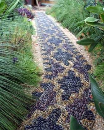 Садовые дорожки из гальки — совсем не сложно