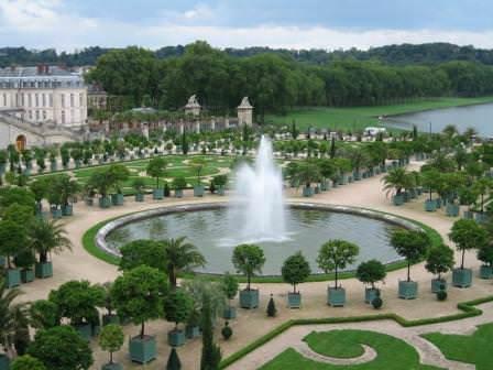 Водные сооружения садов