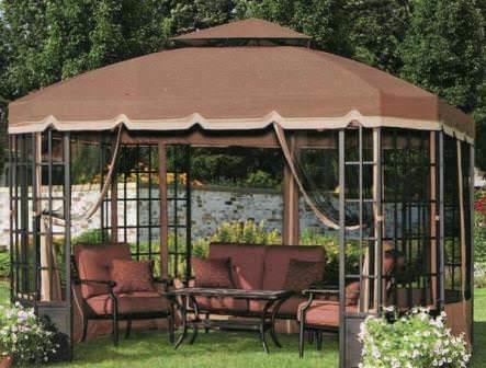 Крыша для шатра имеет намного меньшее значение, чем для дачного дома, беседки или других построек