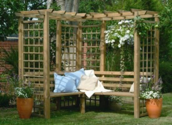 простая садовая арка для винограда или вертикального озеленения