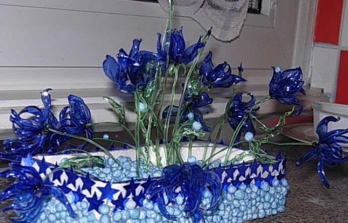 Создаем цветы из частей пластиковых бутылок своими руками!