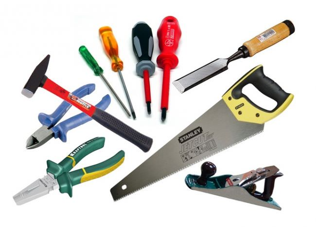 Набор строительных инструментов представлен стандартным комплектом