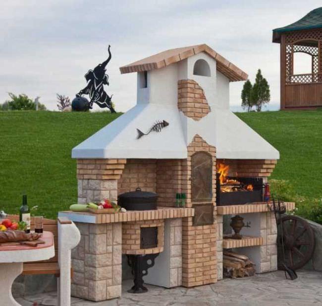 Какой проект вы бы не затеяли, построить летнюю кухню на даче без печи или её аналога проблематично