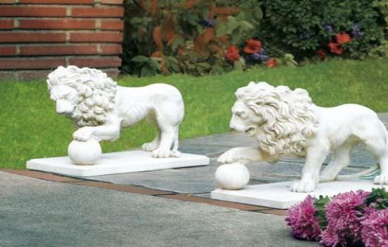 Классическая садовая скульптура на даче