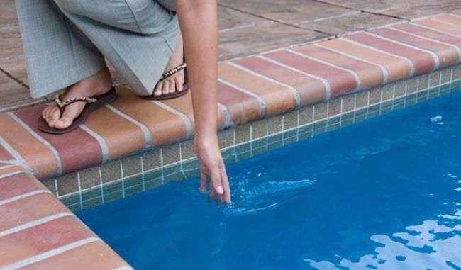 Для подогрева воды используются специальные нагревательные приборы, которые отличаются техническими характеристиками, спецификой работы