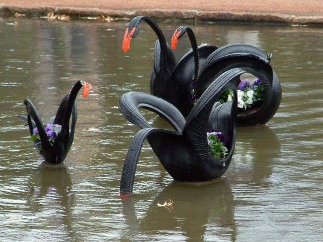 Величественные лебеди из покрышек! Невероятно, но факт!