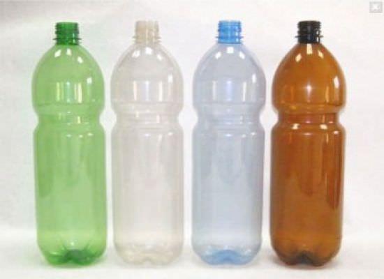 Пластиковые бутылки — отличный материал для изготовления различных поделок для дачи