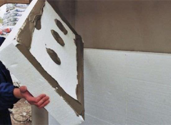 Как утеплить дачный дом снаружи с помощью пенопласта или пенополистирола