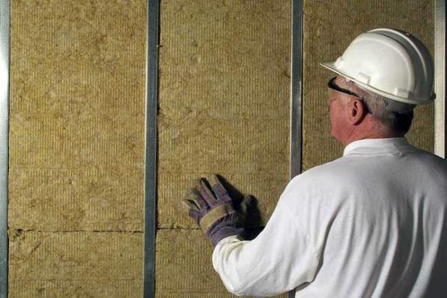 Качественное утепление стен веранды изнутри значительно повышает энергосбережение