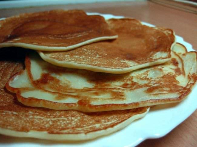 Румяные блинчики отлично подойдут для завтрака школьников