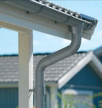 Перед установкой внимательно изучаем и недостатки металлических водосточных систем