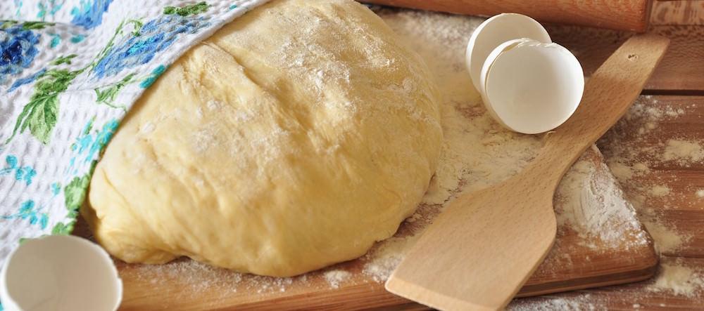 Рецепт воздушного теста для пирожков из сухих дрожжей