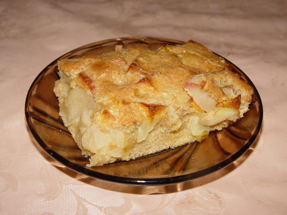 Шарлотка с яблоками на майонезе в духовке рецепт