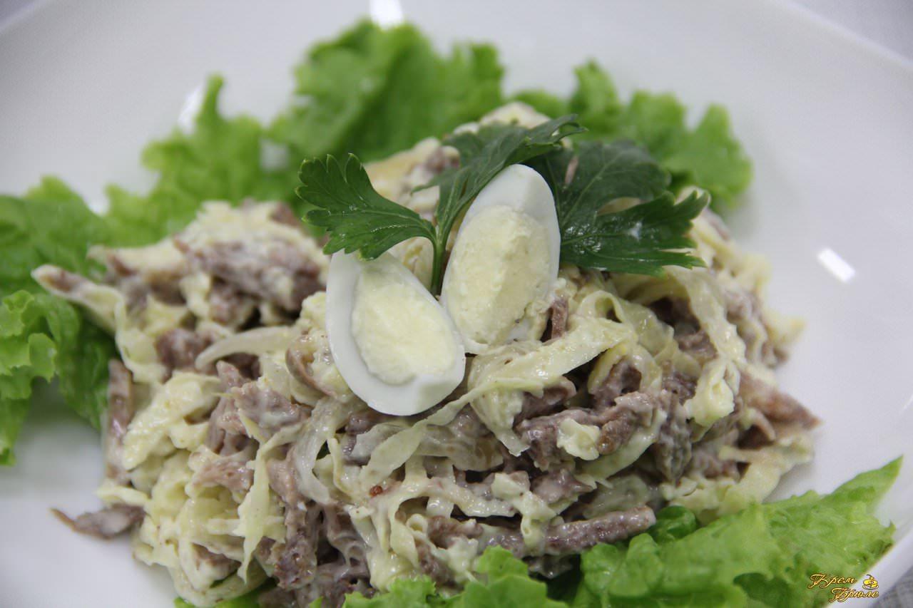рецепты салатов с блинами из яиц