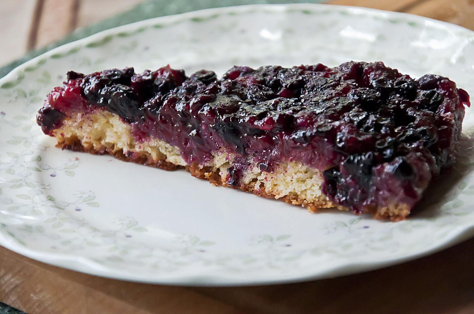 Открытый пирог с черной смородиной замороженной рецепт