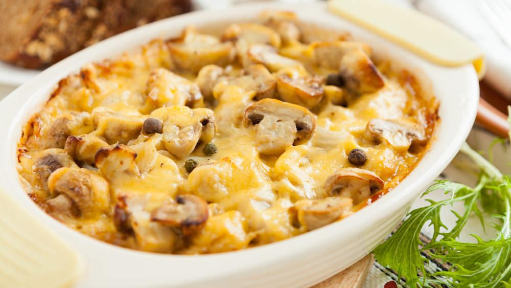 Вместо шампиньонов в запеканке можно использовать и любые другие грибы – все зависит от личного вкуса готовящего