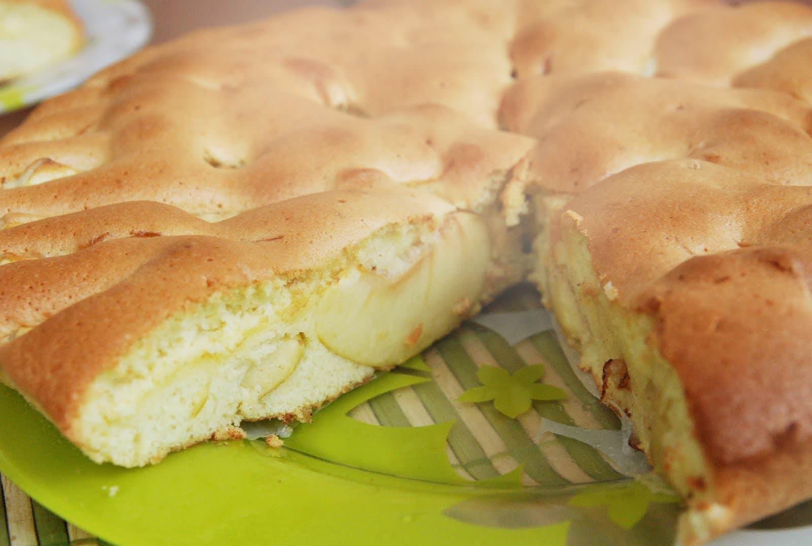 Вкусная шарлотка с яблоками в мультиварке рецепт с фото пошагово