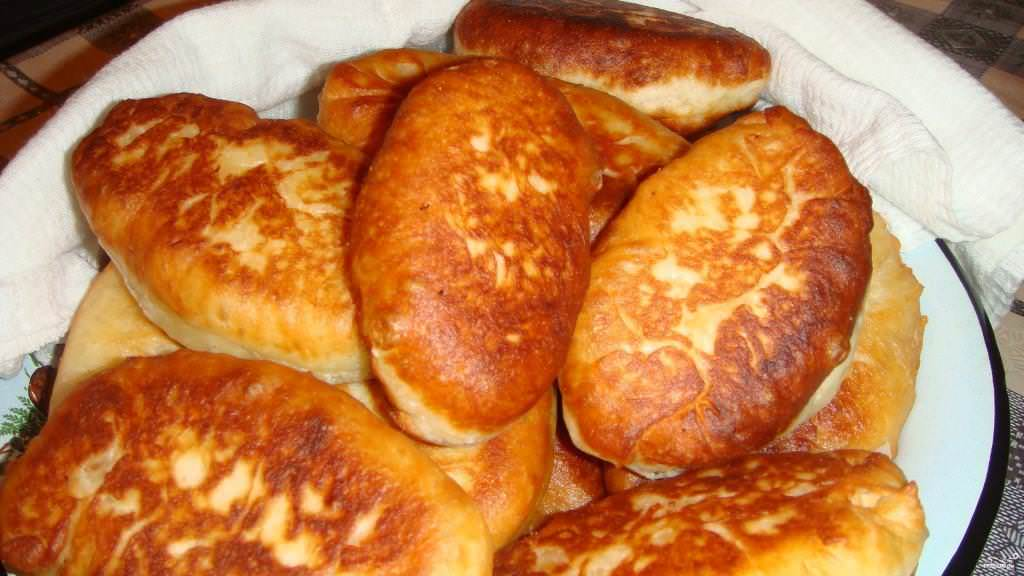 Пироги жареные на сковороде с фото