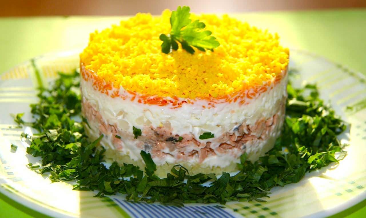 Нежный салат рецепт классический пошаговый рецепт на