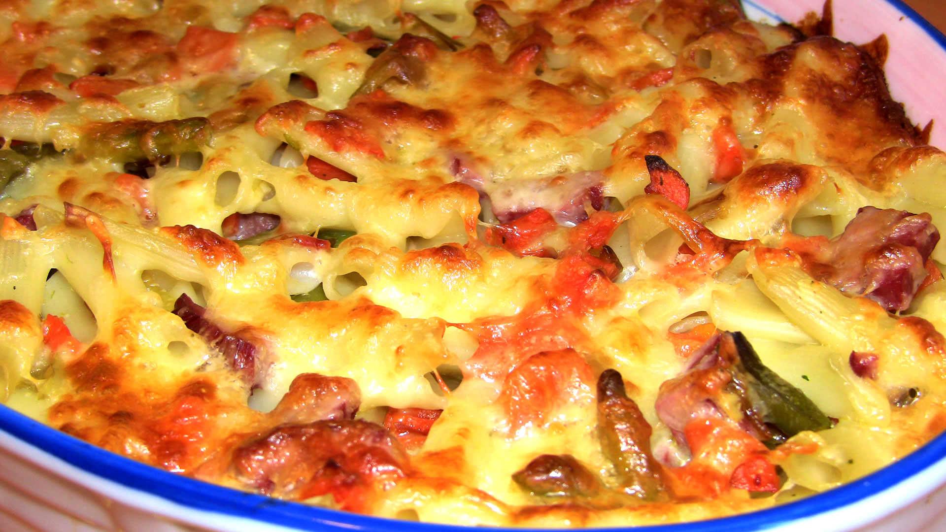 Запеканки из макарон с колбасой рецепт с пошагово